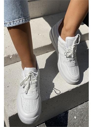 İnan Ayakkabı DELİK DETAYLI KADIN SNEKARS Beyaz